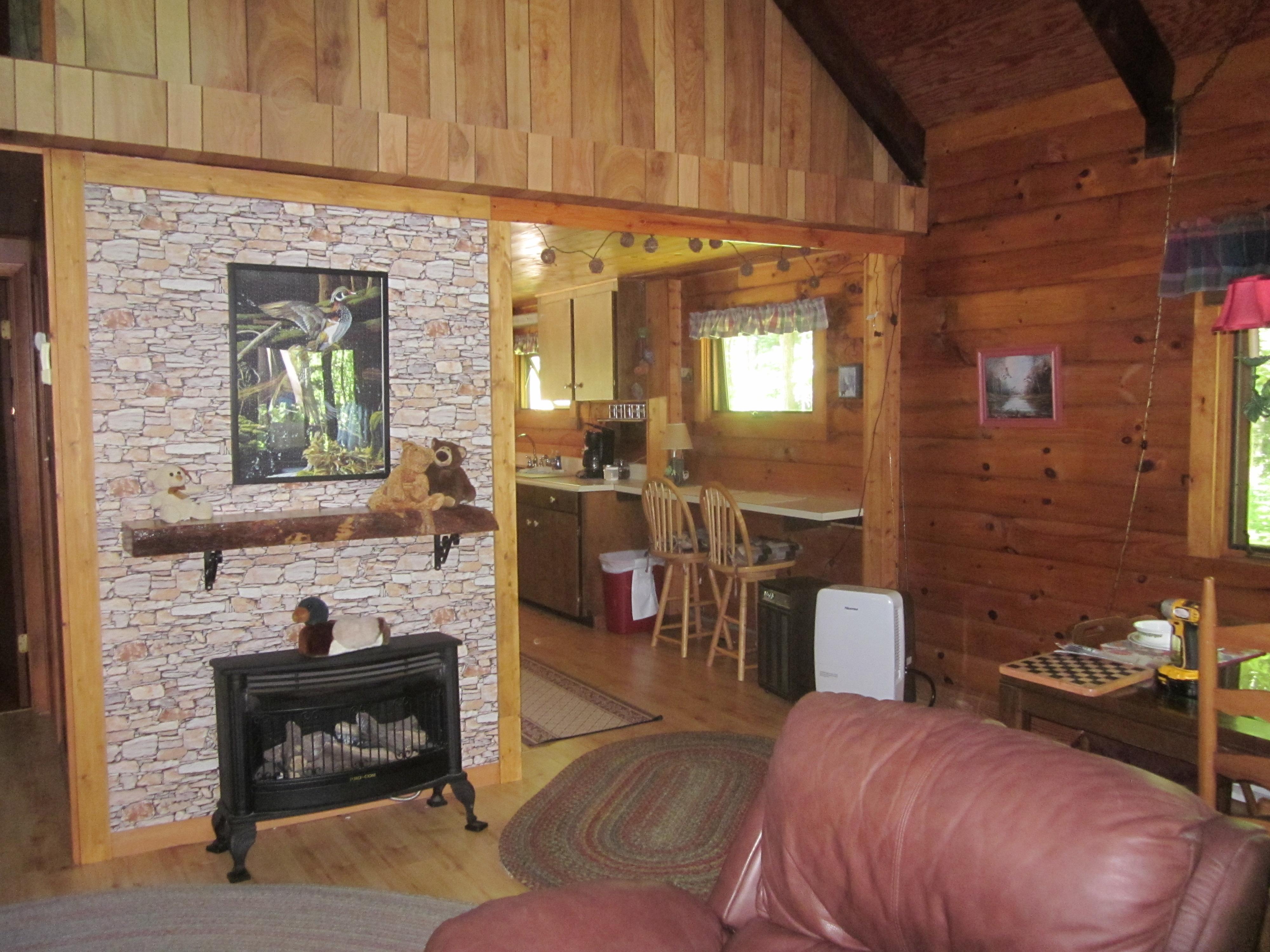 Papa bear log cabin rental cross creek cabins log for Linville falls cabin rentals